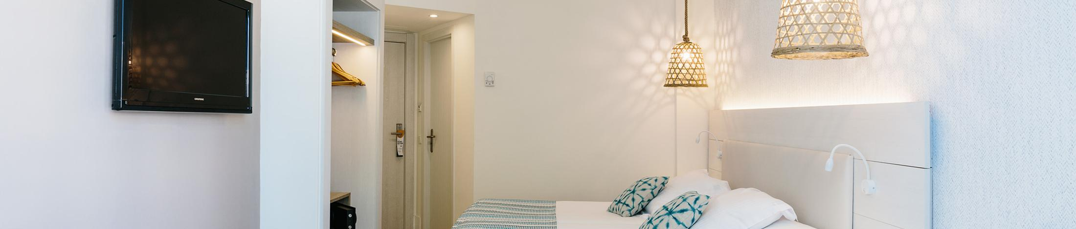 Twin room with sea view alua miami ibiza hotel