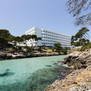 ENTERTAINMENT AluaSoul Mallorca Resort (Adults Only) Hotel Cala d'Or, Mallorca