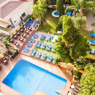 Outdoor private pools AluaSun Flamingo  Costa del Sol