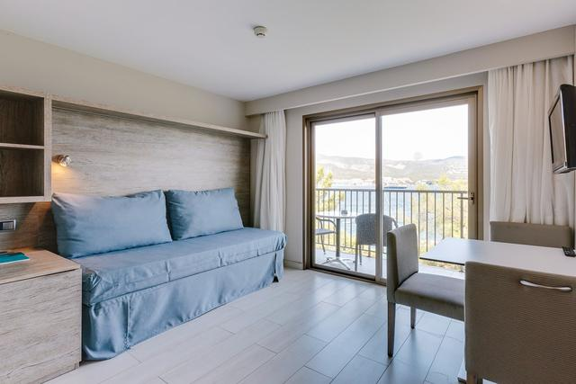 1 bedroom apartment with sea view alua palmanova bay hotel palmanova, mallorca