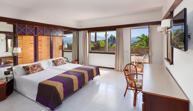 Twin room with balcony parque san antonio hotel tenerife