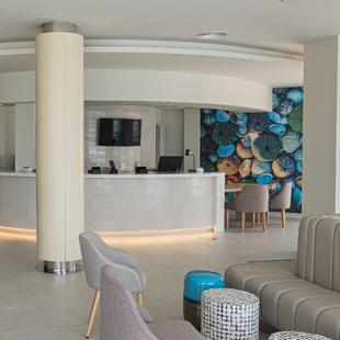 RECEPTION 24/7 AluaSoul Palma (Adults Only) Hotel Cala Estancia, Mallorca