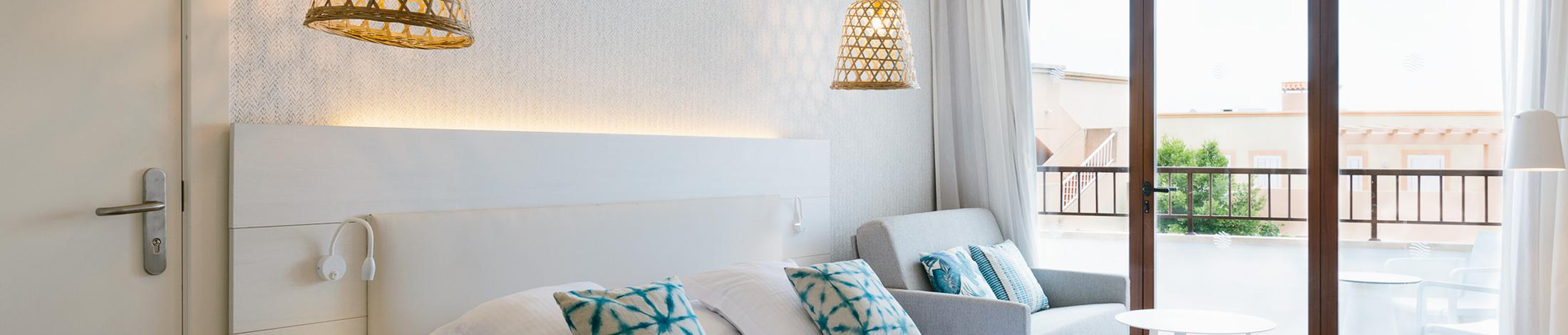 Twin room alua miami ibiza